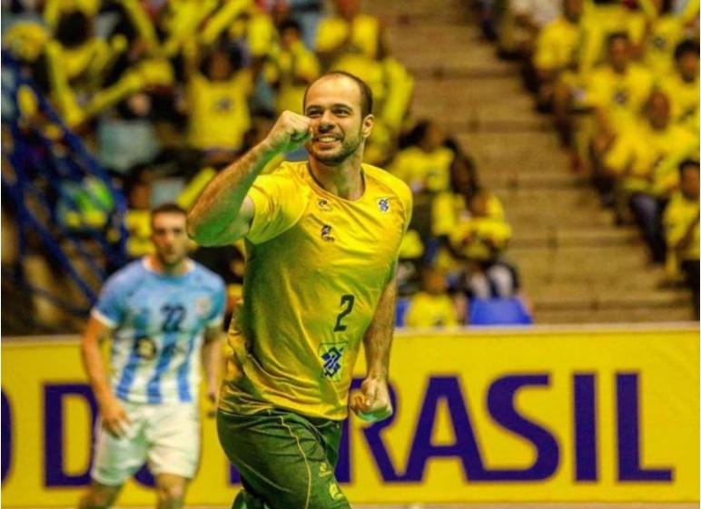 e5a320b5491b8 Jogador com parentes em Marechal Rondon estreia hoje no Mundial de Handebol  diante da França