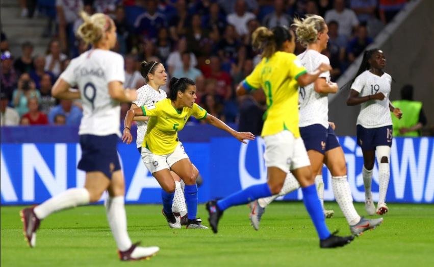 Resultado de imagem para Brasil perde para França e dá adeus à Copa do Mundo